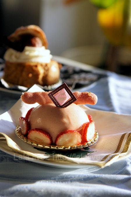 Sucreenrosecakestrawberrycloud1