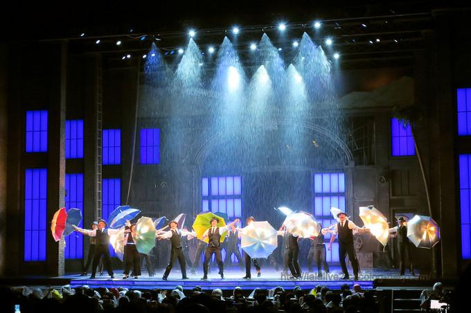 Singing_in_the_rain3_2